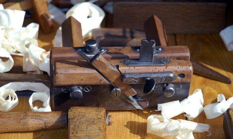 Holzhobel in der Offenen Werkstatt